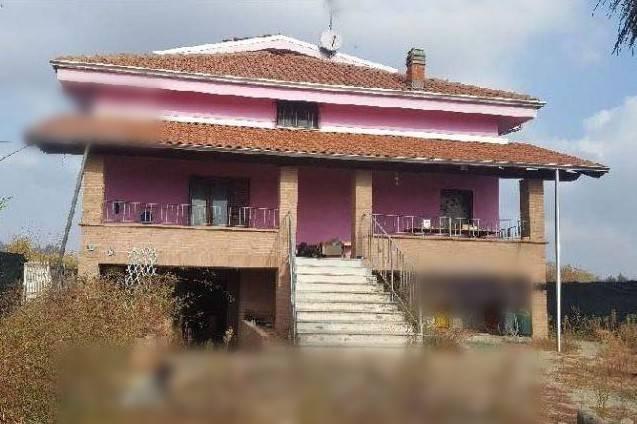 Villa in vendita a Maglione, 6 locali, prezzo € 98.000 | CambioCasa.it