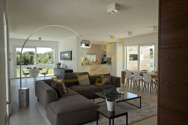 Villa in ottime condizioni arredato in vendita Rif. 6771839