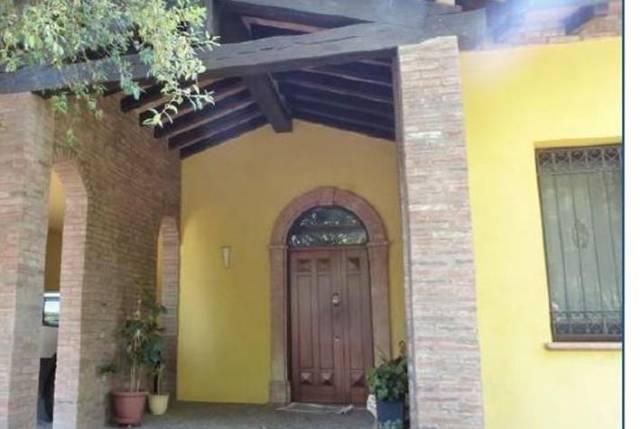 Appartamento in buone condizioni in vendita Rif. 6776100