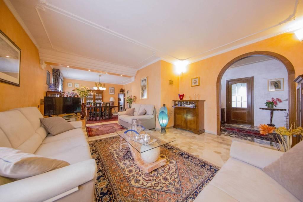 Appartamento in vendita a Cinisello Balsamo, 4 locali, prezzo € 279.000 | CambioCasa.it