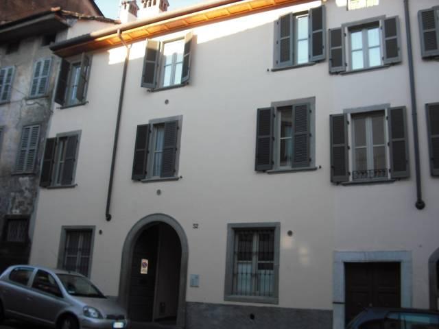 Appartamento in ottime condizioni in affitto Rif. 6776159