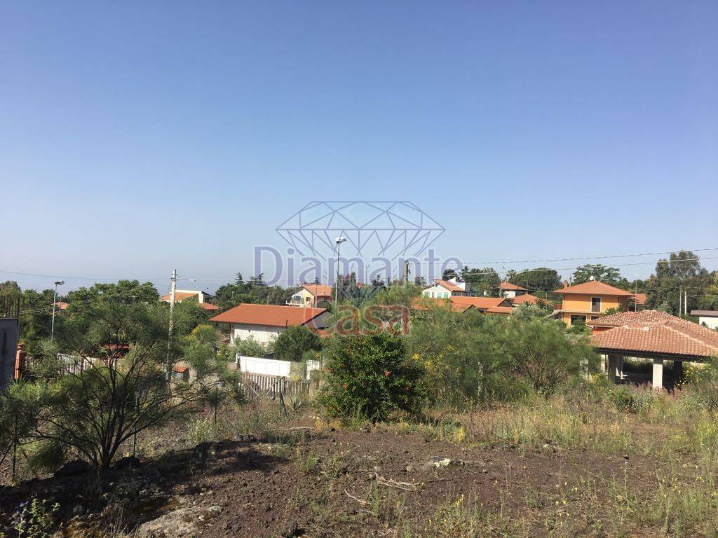 Terreno residenziale in Vendita a Mascalucia Periferia: 1016 mq