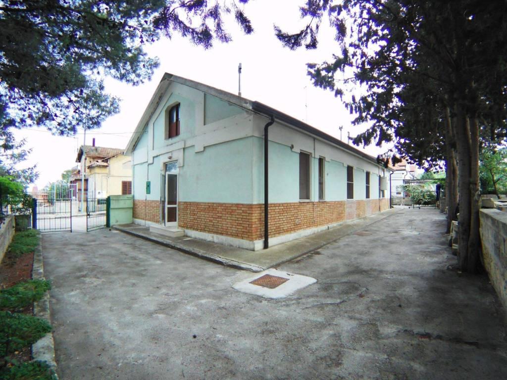 Villino con terreno - Borgo Venusio