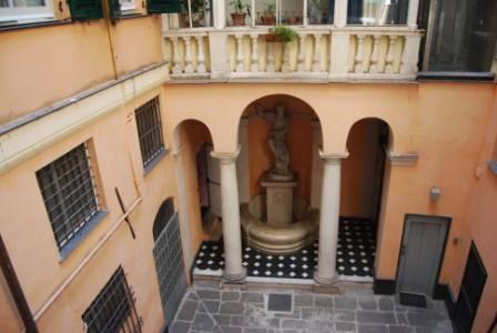 Appartamento in Vendita a Genova Centro: 5 locali, 170 mq