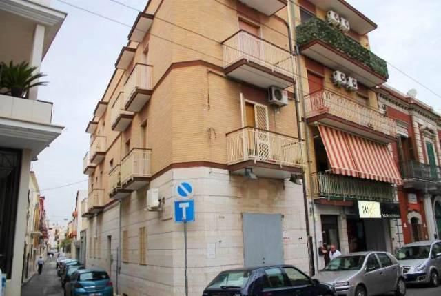 Appartamento in ottime condizioni in affitto Rif. 6772247
