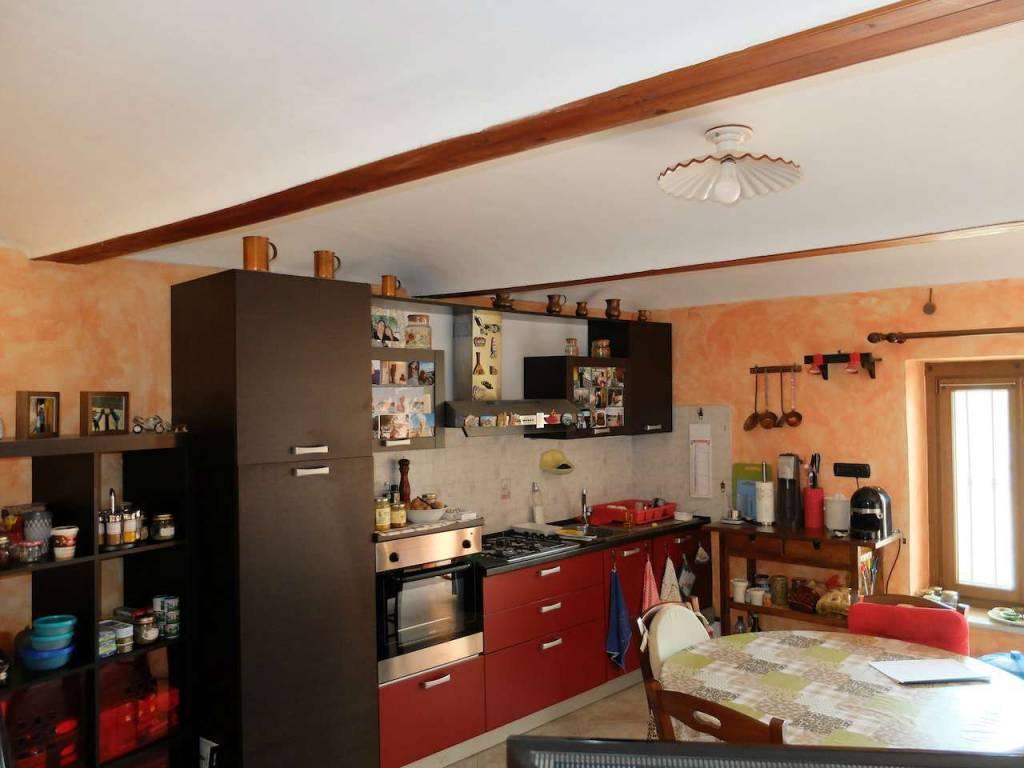 Rustico / Casale in vendita a Almese, 4 locali, prezzo € 148.000   CambioCasa.it