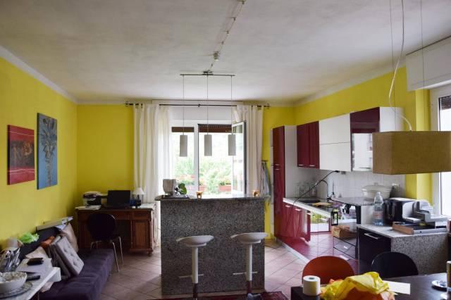 Appartamento in ottime condizioni in vendita Rif. 6771437