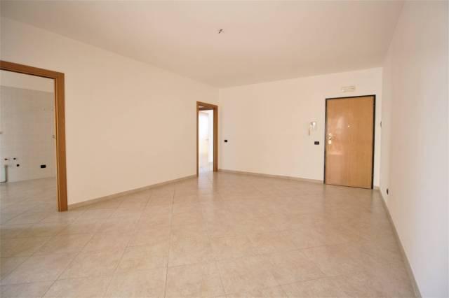 Appartamento in ottime condizioni in vendita Rif. 6773354