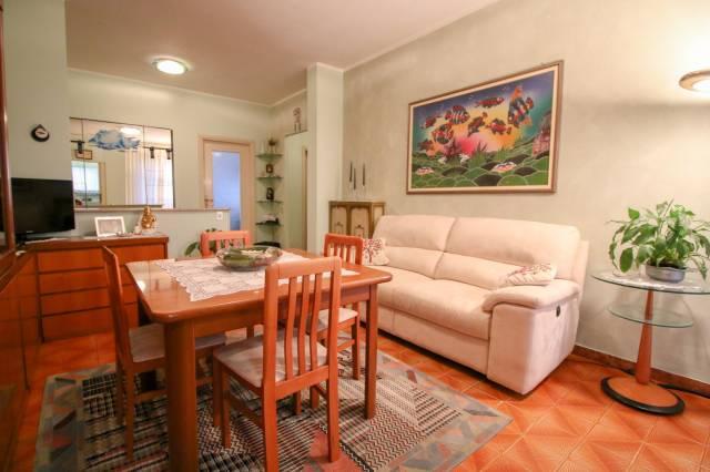 Appartamento in buone condizioni in vendita Rif. 6776410