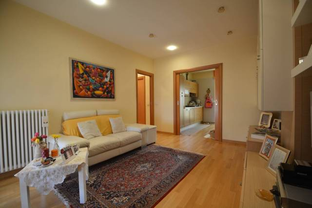 Appartamento in ottime condizioni in vendita Rif. 6786716