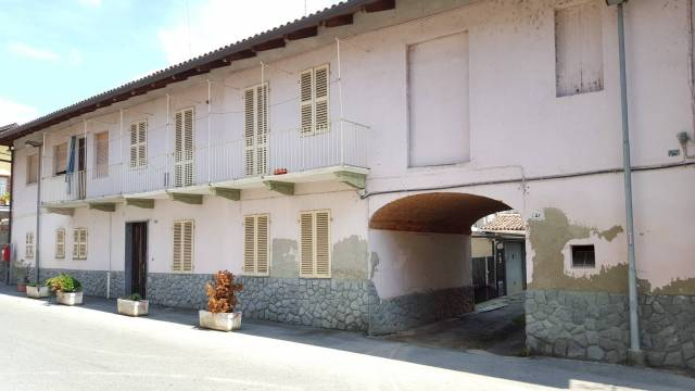 porzione di casa disposta su due piani