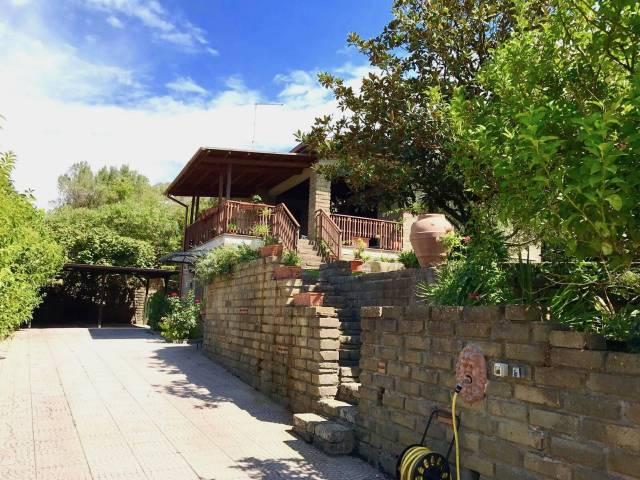 Villa in ottime condizioni arredato in affitto Rif. 6787820