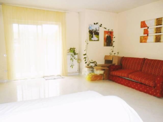 Ampio appartamento luminoso con 3 balconate terrazzate