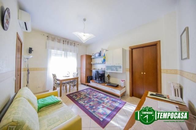 Appartamento in ottime condizioni arredato in vendita Rif. 6788924