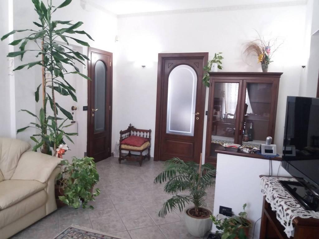 Appartamento in ottime condizioni in vendita Rif. 8760597