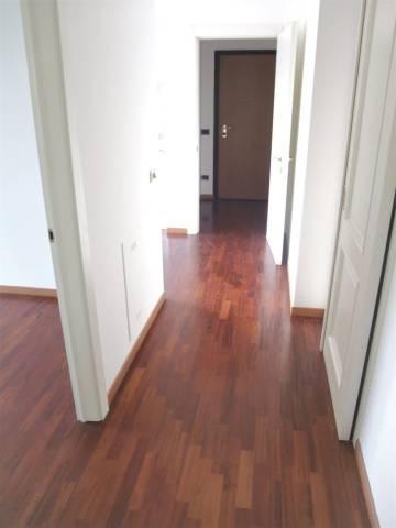 Appartamento in buone condizioni in vendita Rif. 6786777