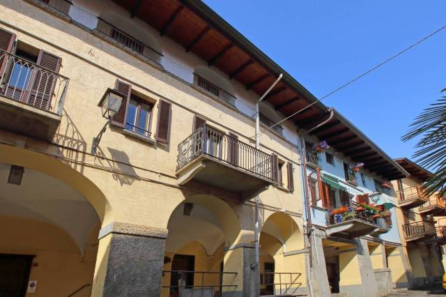 Appartamento in ottime condizioni in vendita Rif. 6949228