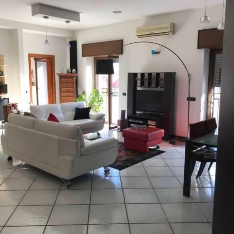 Appartamento in ottime condizioni in vendita Rif. 7043271