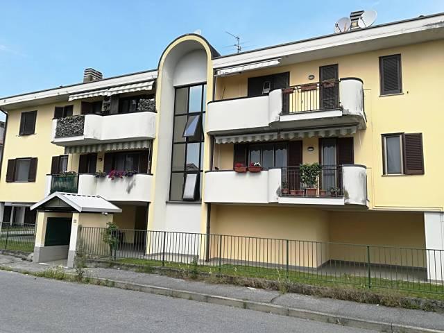 Appartamento in buone condizioni in vendita Rif. 6786473