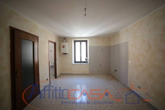 Appartamento in buone condizioni in affitto Rif. 6788656
