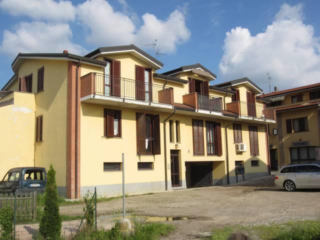 Appartamento in buone condizioni arredato in vendita Rif. 6809514