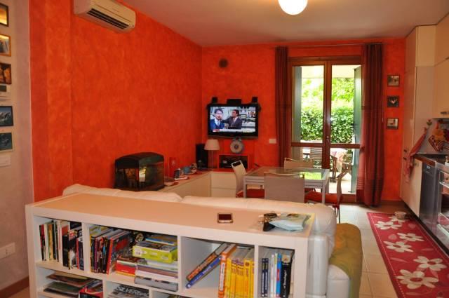 Appartamento in ottime condizioni parzialmente arredato in vendita Rif. 6812584