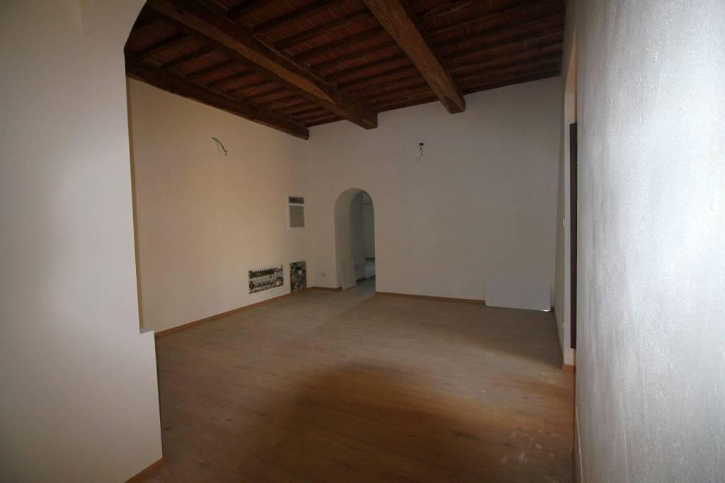 Appartamento in ottime condizioni in vendita Rif. 9140401