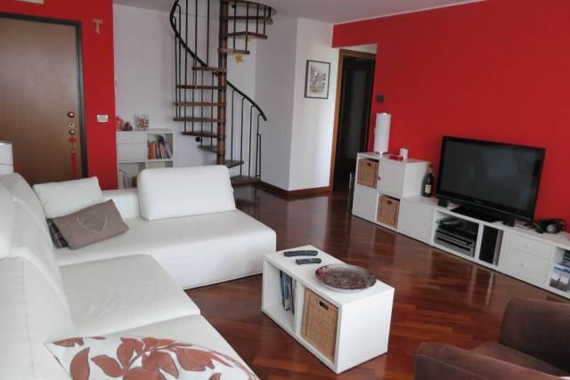 Appartamento in ottime condizioni in vendita Rif. 5821757