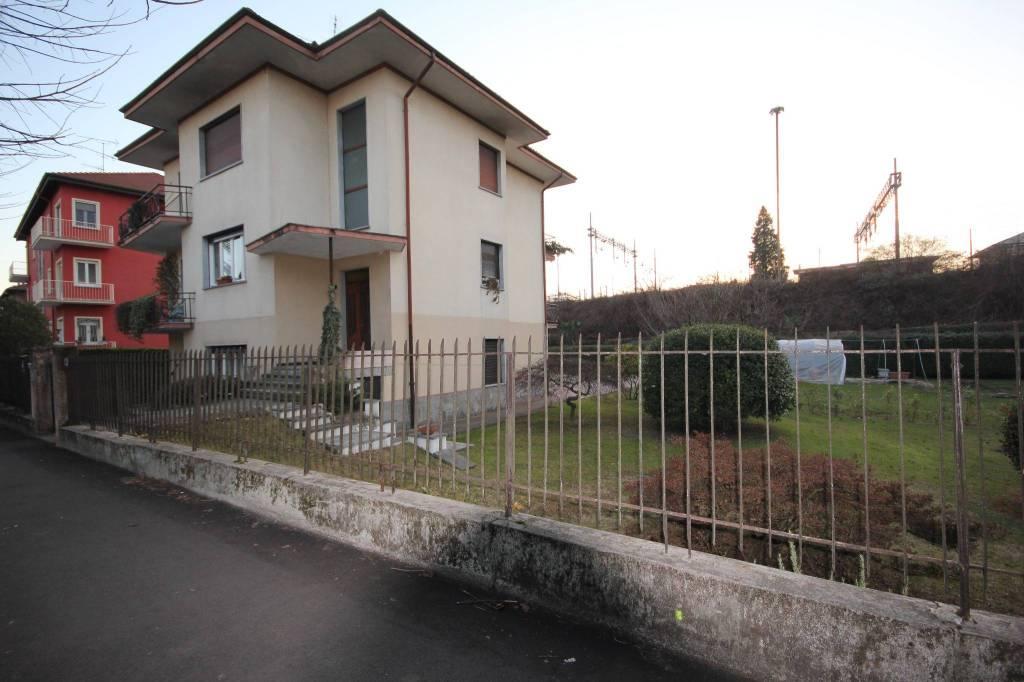 Appartamento ad Arona in villetta poco distante dal Lago Maggiore