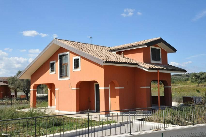 Villa in vendita a Sant'Angelo Romano, 6 locali, prezzo € 310.000 | CambioCasa.it