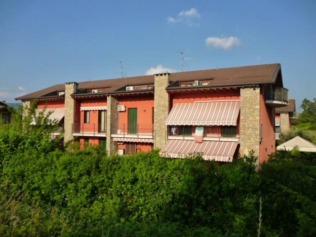 Appartamento in ottime condizioni parzialmente arredato in vendita Rif. 6947756