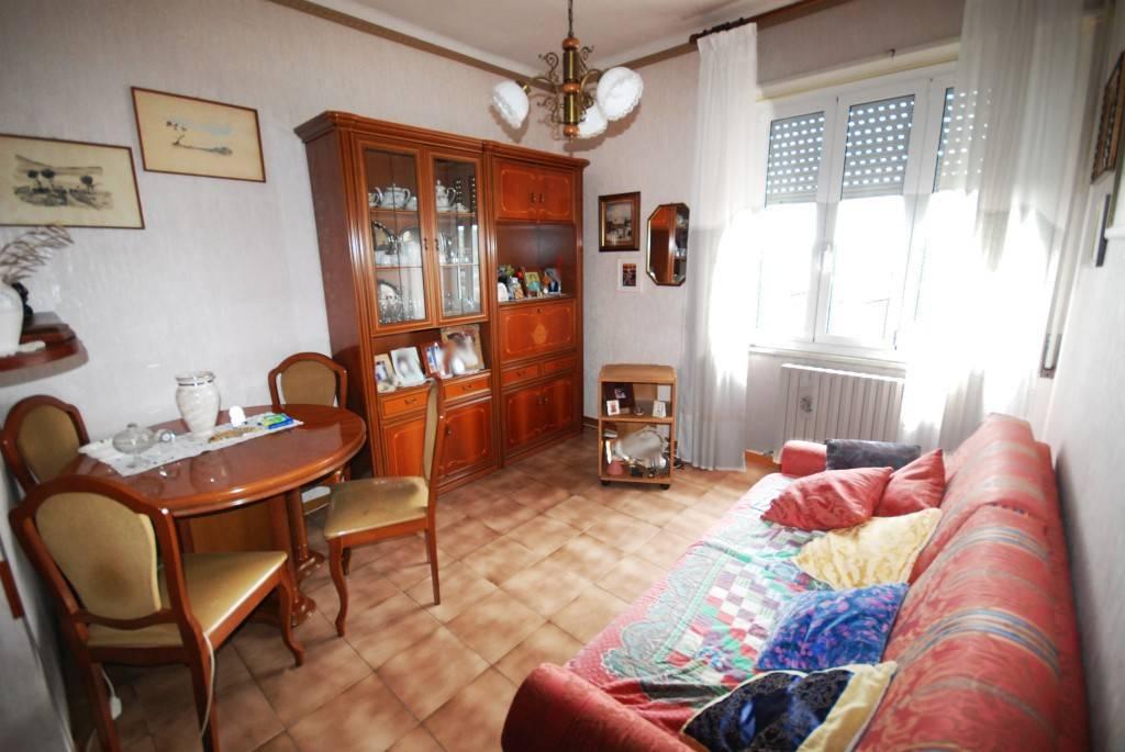 Appartamento in buone condizioni parzialmente arredato in vendita Rif. 6805155