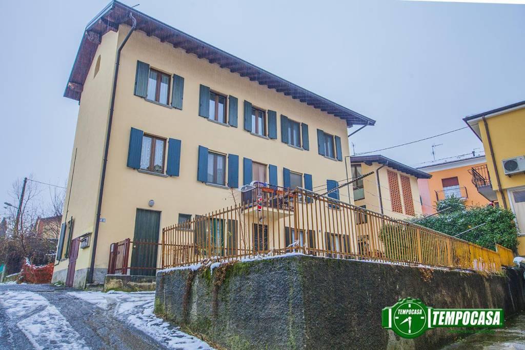 Appartamento in ottime condizioni parzialmente arredato in vendita Rif. 6817201