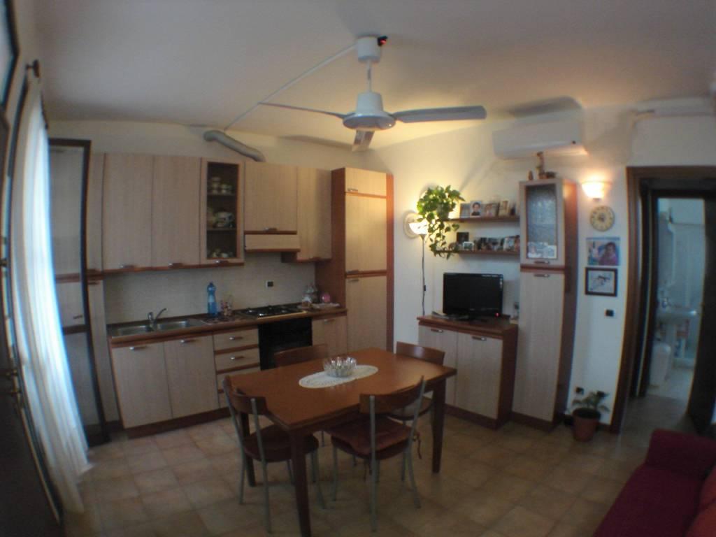 Appartamento in Vendita a Senago: 2 locali, 50 mq