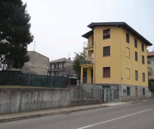 Appartamento in buone condizioni in vendita Rif. 6806763