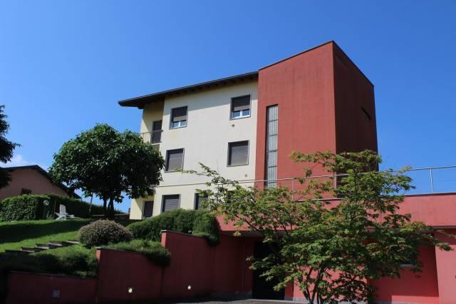 Appartamento in ottime condizioni in vendita Rif. 5932831