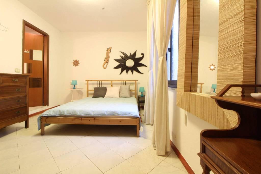 Appartamento in buone condizioni arredato in affitto Rif. 8521864