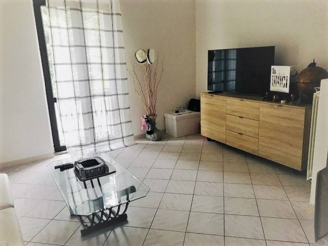 Appartamento in buone condizioni in vendita Rif. 6806015