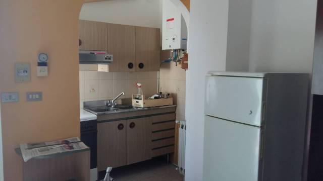 Appartamento in buone condizioni arredato in affitto Rif. 6964088