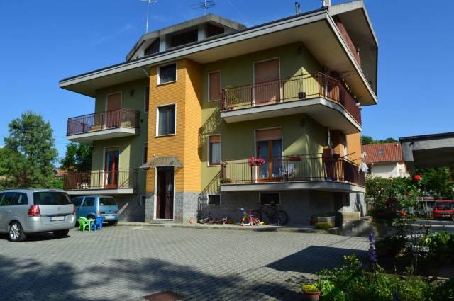 Appartamento in buone condizioni in affitto Rif. 6810895
