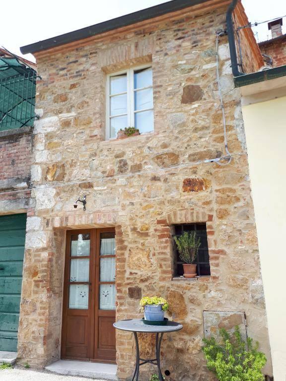 Appartamento in ottime condizioni arredato in vendita Rif. 6805699
