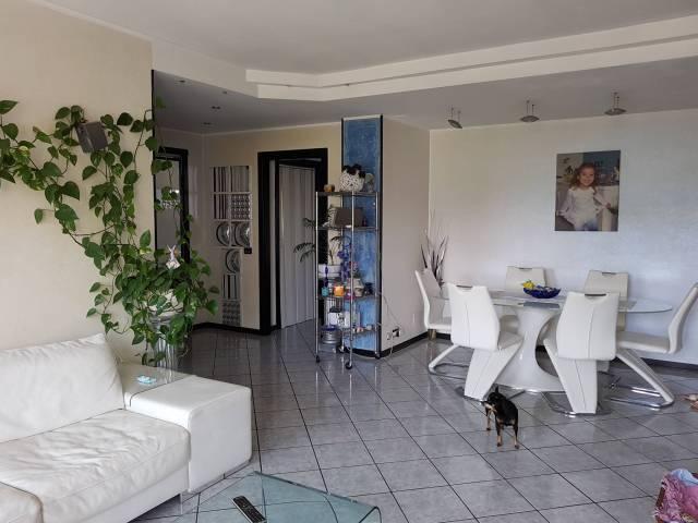 Appartamento in buone condizioni in vendita Rif. 6812681