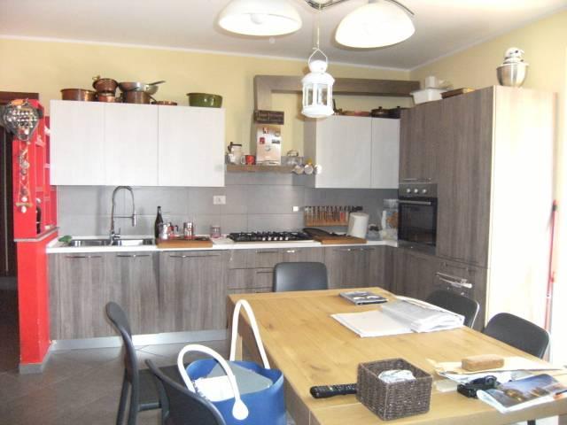 Appartamento in ottime condizioni in vendita Rif. 6827850