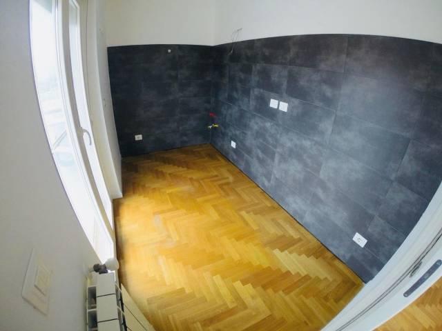 Appartamento con 2 camere e garage libero da mobili