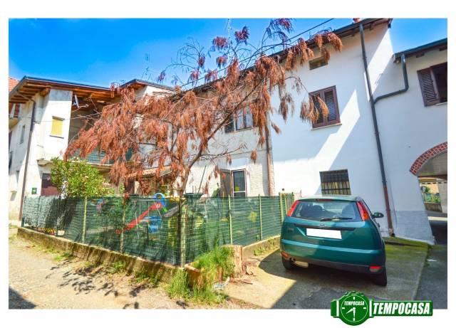 Appartamento in buone condizioni in vendita Rif. 6825144