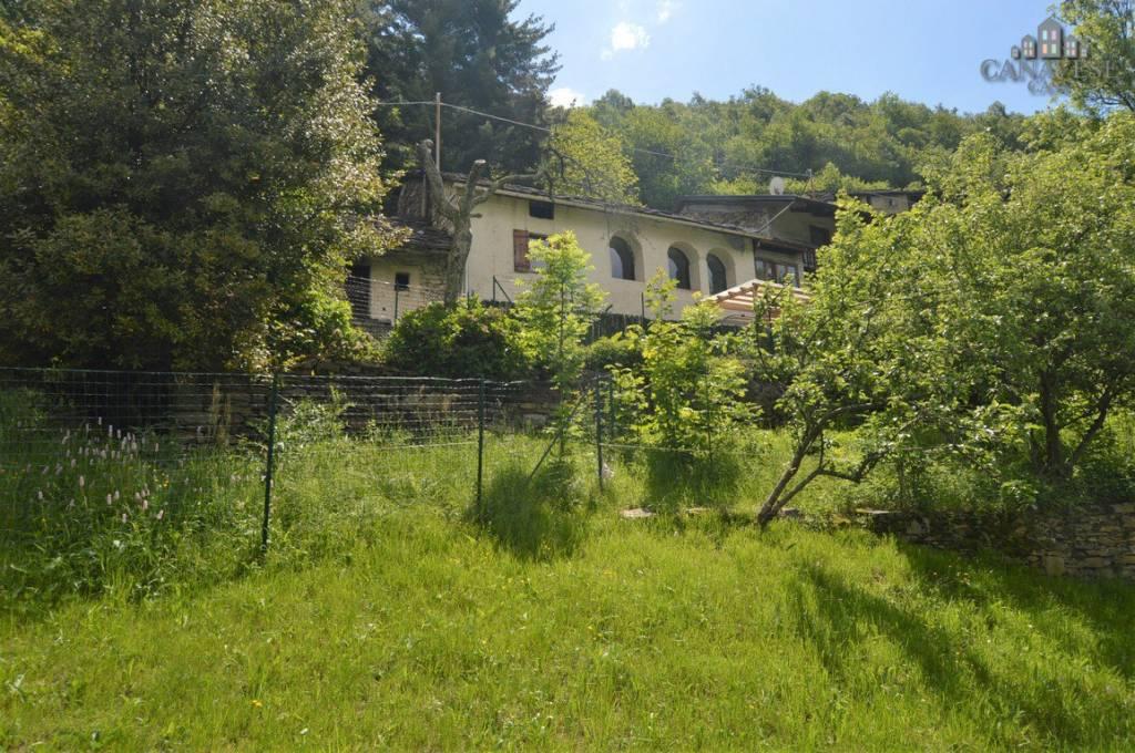 Foto 1 di Casa indipendente strada Miniere di Traversella, Traversella