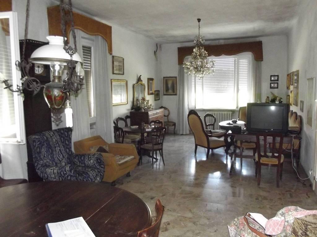 Casa indipendente in Vendita a Pontedera Semicentro:  5 locali, 302 mq  - Foto 1