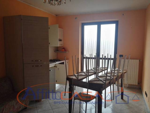 Appartamento in ottime condizioni in affitto Rif. 6830988