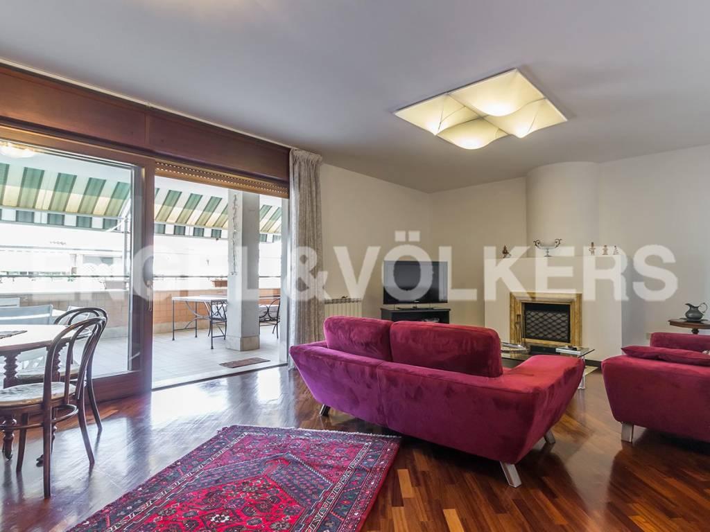Appartamento in Affitto a Roma 23 Eur / Torrino: 4 locali, 165 mq