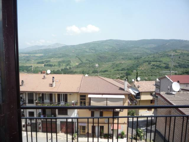 Appartamento in buone condizioni in affitto Rif. 6828056